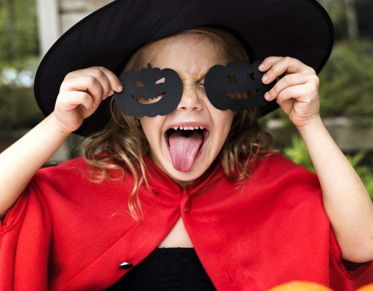 lets-talk-panelplace-welcome-to-our-halloween-party-vampires