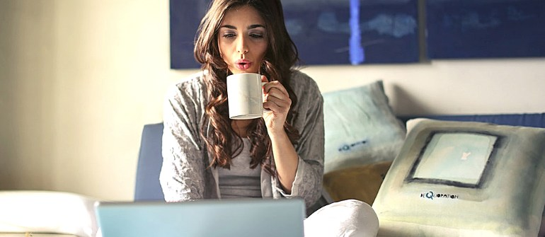 pp-7-main-reasons-bosses-check-when-you-work-from-home-you-at-home-770x335