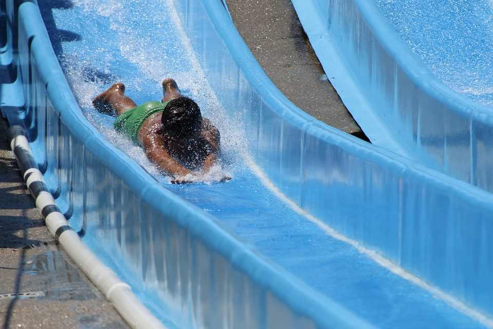 top-8-coolest-jobs-in-the-world-water-slides-tester